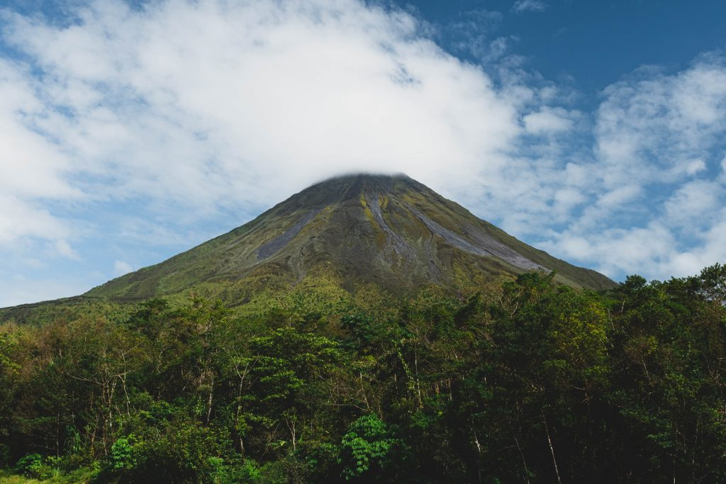 5 Must-Visit Tourist Attractions in Costa Rica